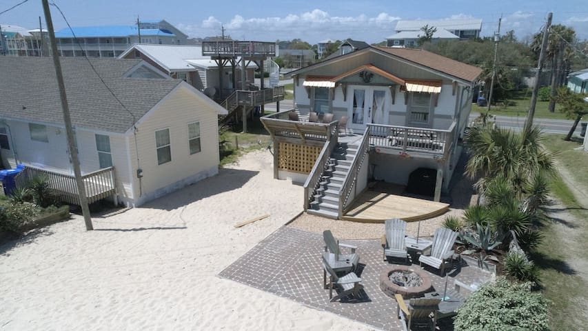 A Summer's Rest beachfront volleyball court!