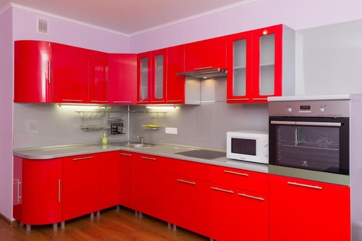 Просторная теплая 2х-ком квартира с кухней 14 кв.м - Balashikha - Appartement