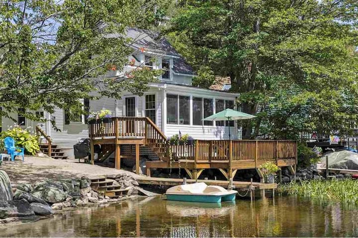 Lakeside Cottage with Mt. Sunapee View