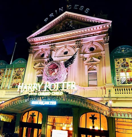 New York charm in Melbourne's Theatre District