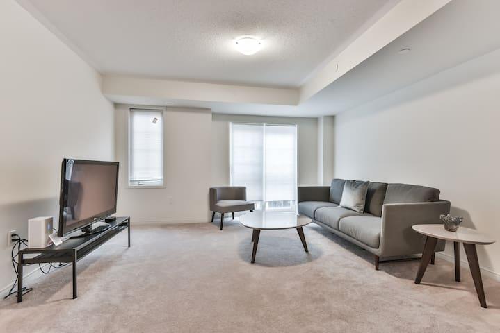 Brand New, North Oshawa Home, Steps to UOIT & DC