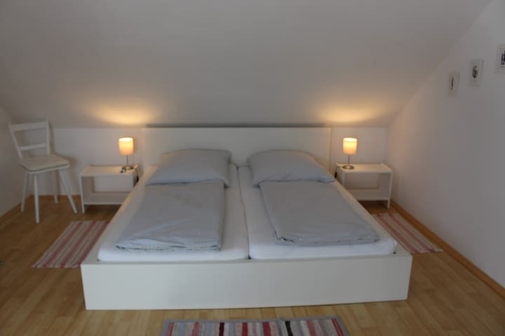 """Gemütliche """"Suite"""" unter dem Dach"""