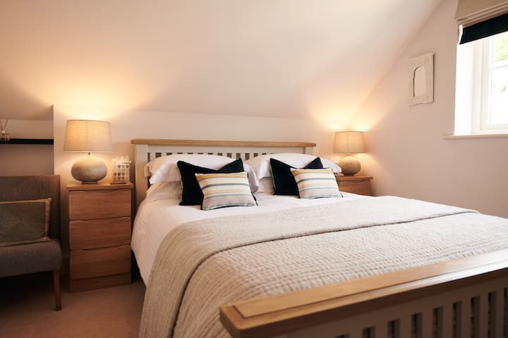 Luxurious restful king size bed.