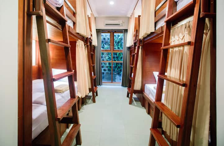 Female Dormitory Room 1 Bed Hostel Near Airport