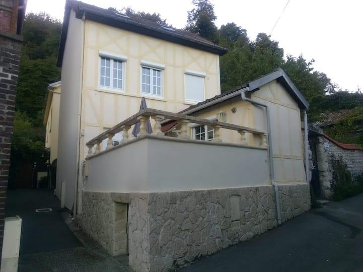 Petit cocon du Val de la Haye situé à 9km de Rouen