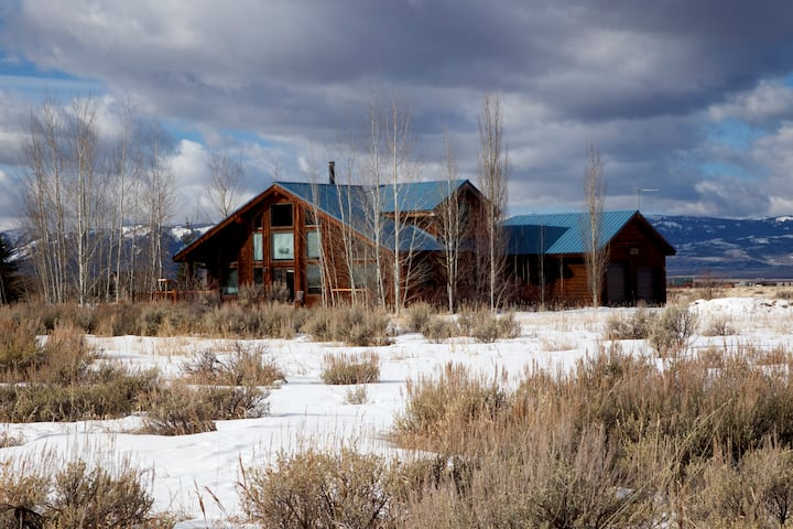 Beautiful Timber Frame House with Teton Views!