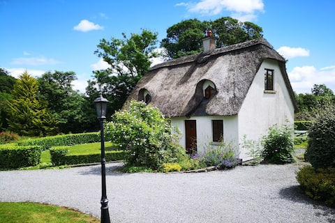 Wallslough Village Kilkenny Thatched Cottage No. 8