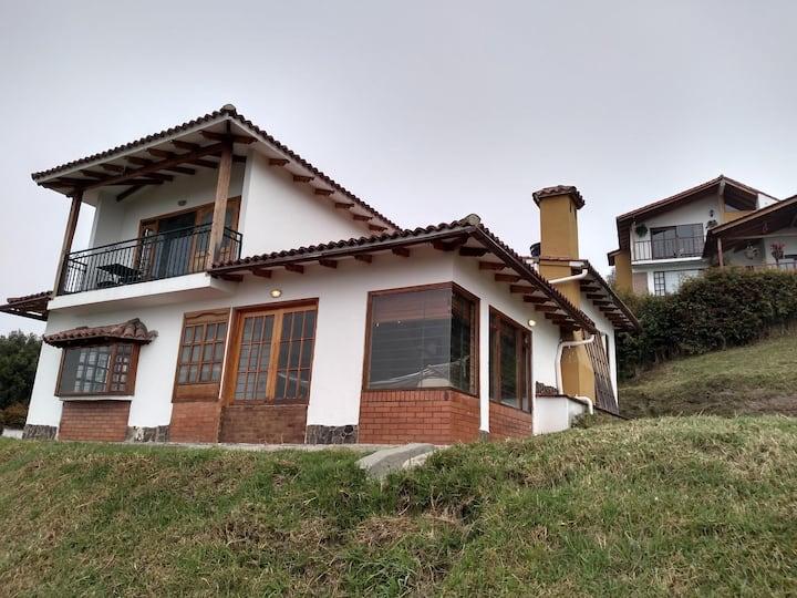 Chalet Villa Valeria, en Paipa  Boyaca.