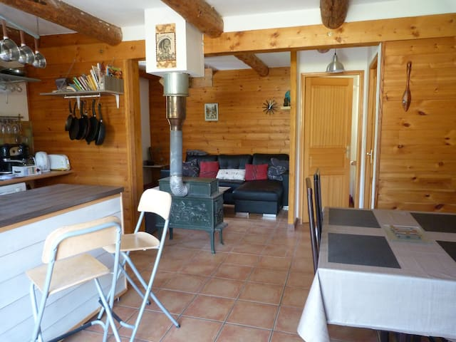 Chamber in chalet/WiFi/kitchen/terrace - Allos - Bungalo