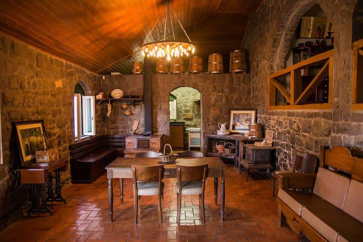 Casa de Pedra Mena Kaho (hospedagem diferenciada) - Bento Gonçalves - Otros