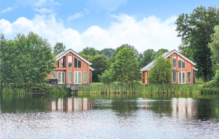 Holiday cottage with 3 bedrooms on 100m² in NL