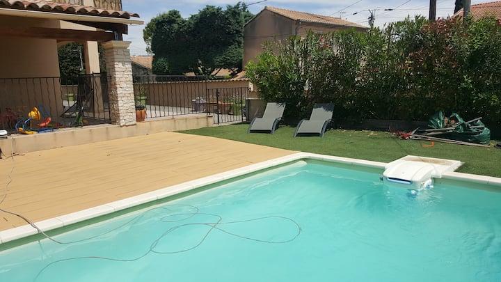 Le clos de carinette   studio avec piscine