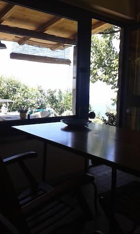 il tavolo interno