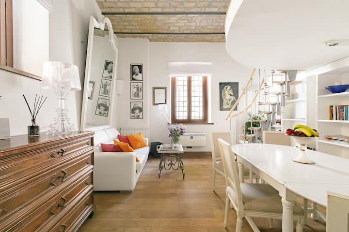 Distinctive and Cosy Loft in Trastevere