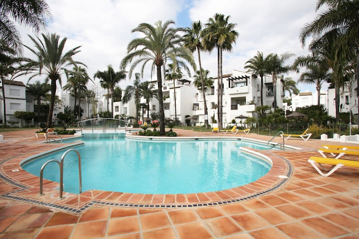 Bright, beachfront apartment Costa del Sol - Estepona - Appartement