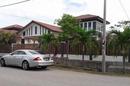 Green Habitat Bungalow Residence - Melaka - Bungalow