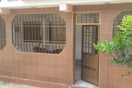 Casa equipada  En Rio Caribe vía playa medina