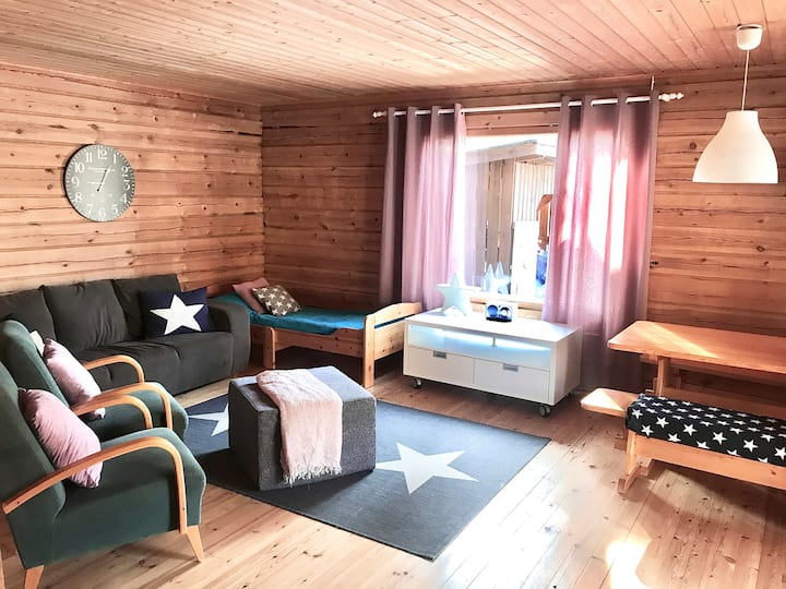 Tapio - a private cottage near by the lake
