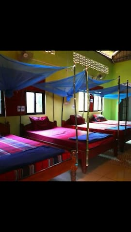 Dormitory with free breakfast - Krong Ban Lung - Penzion (B&B)