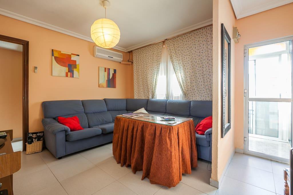 Habitaci n piso wohnungen zur miete in sevilla for Piso 1 habitacion sevilla