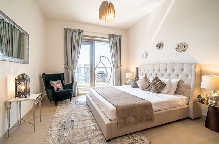 Stunning  1BR apartment in Sparkle Towers!