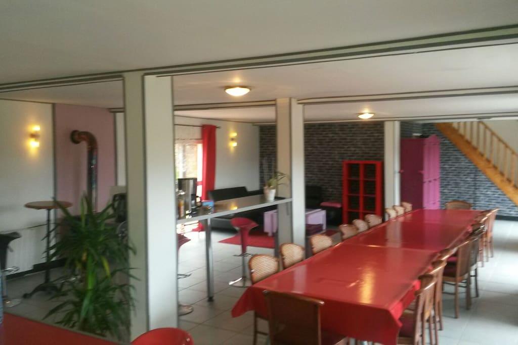 Grande chambre avec acc s piscine jacuzzi houses for - Chambre avec jacuzzi normandie ...