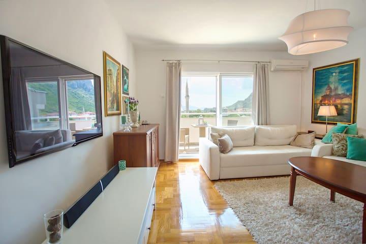 Luxury Apartment, Amazing view, 200m to Old Bridge