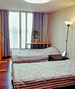 호텔같이 편안하고 조용한 안락한 분위기입니다. - Tanhyeon-dong