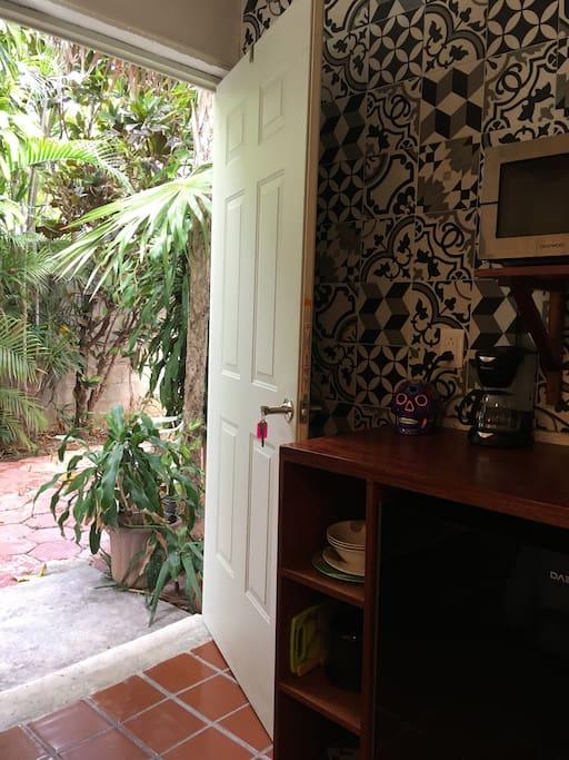 Entrance from a nice quiet garden