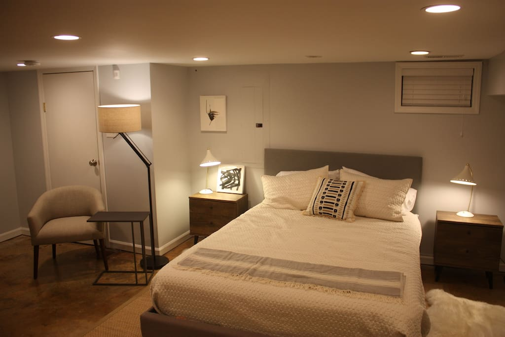 Newly renovated and furnished urban comfort