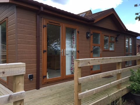 Lodge & Stables near to Newark- beautiful get-away