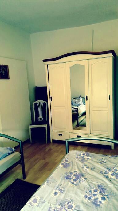 Schlafzimmer ..