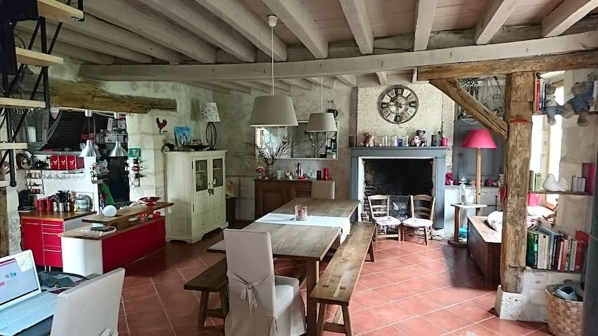 Belle maison de campagne, spatieuse et au calme