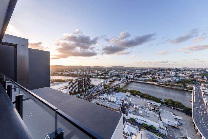 Multi Billion Dollar River View 3BR Sub Penthouse