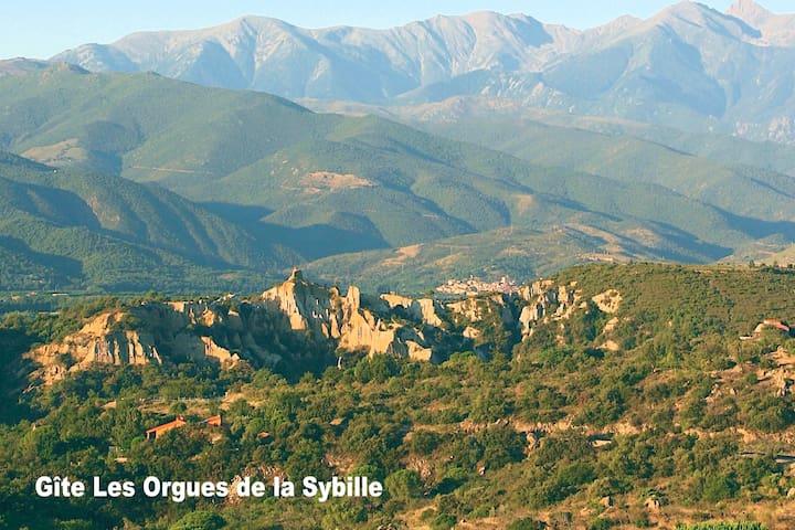 """Gîte des Agaves """"les orgues de la Sybille"""""""