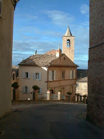 casa del borgo in Terra Picena - Montefiore dell'Aso - Bed & Breakfast