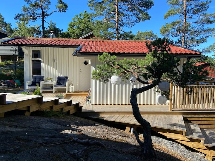 Landscaped cottage in the Stockholm archipelago
