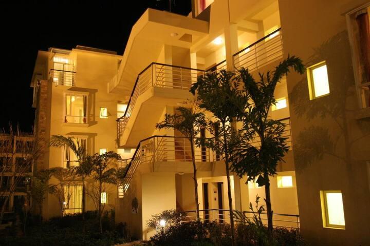 3室1厅带露台-温泉心景公寓—燃情岁月