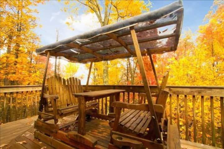 Anniversary/honeymoon cabin. True Romance