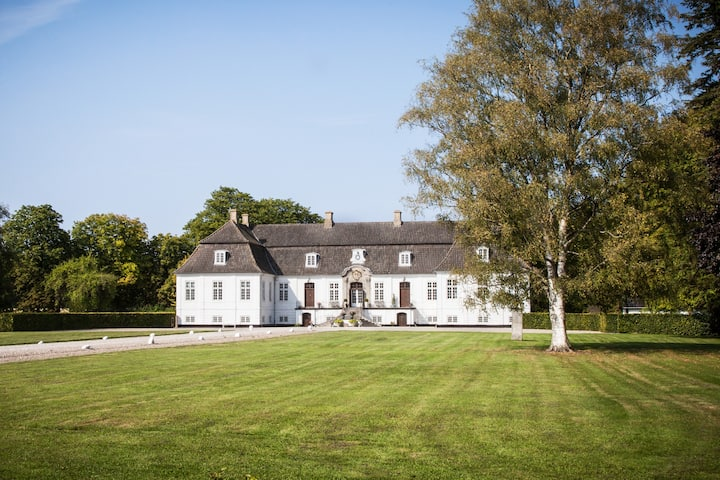 Private and beautiful manor