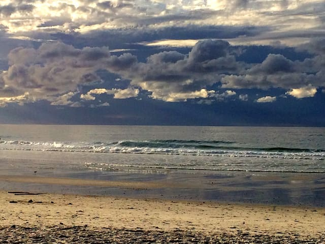 Charming home 5 min walk to beach - Пасифик-Гроув