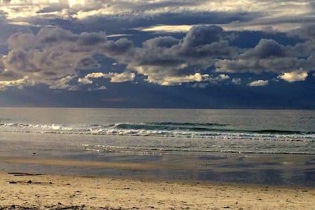 Charming home 5 min walk to beach - Pacific Grove - Maison