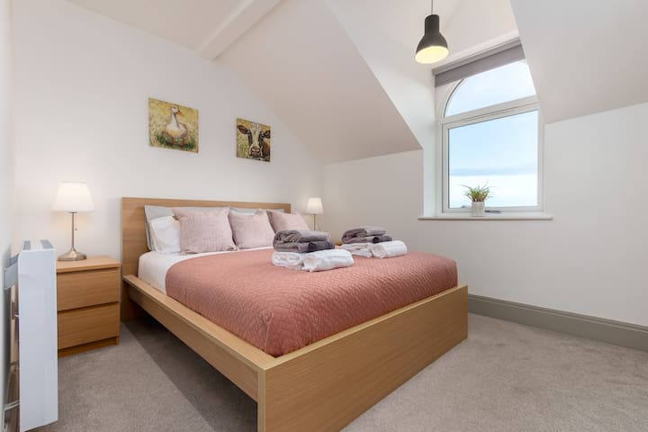 """Double bedroom  ⭐Our guests say: """"it was superb""""⭐"""