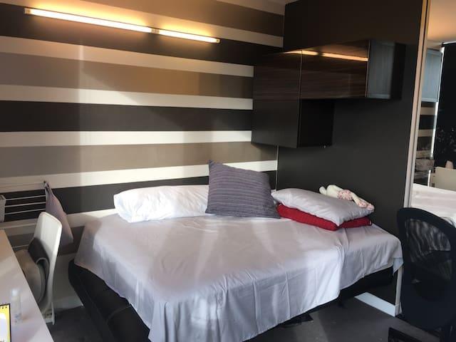 Cozy Apartment in CBD - Melbourne - Flat