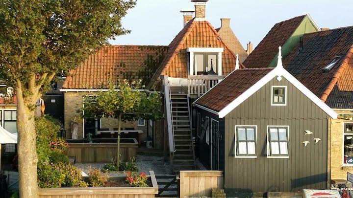 Gastenverblijf direct aan het IJsselmeer