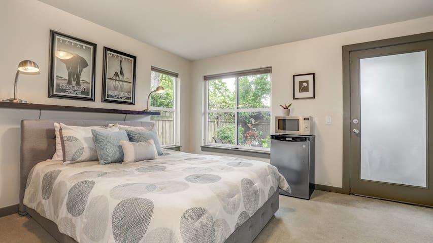 Garden Patio Suite - Top of Capitol Hill