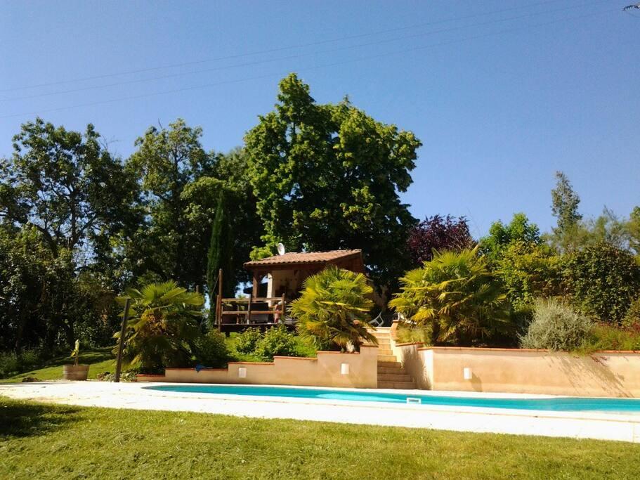 piscine sécurisée avec alarme
