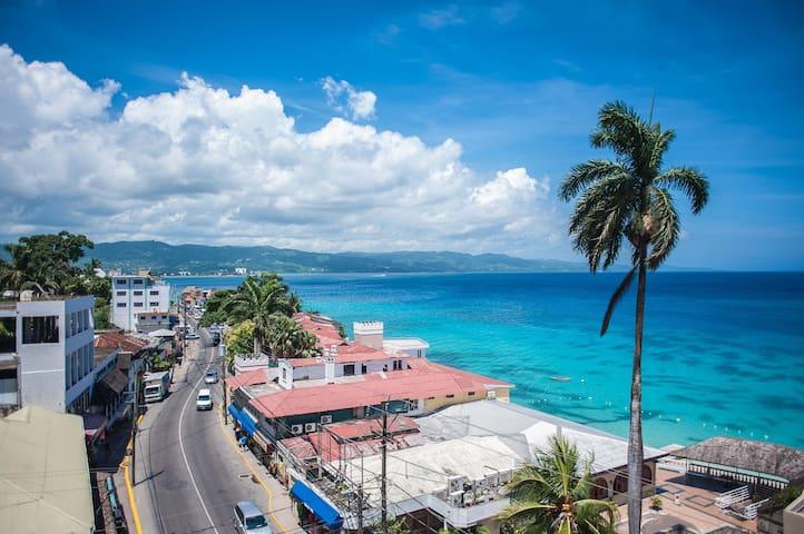 Blue Seas Beach Suite at Montego Bay Club