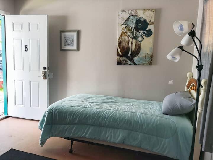 Private Room on a Catskills Lake - Room 5