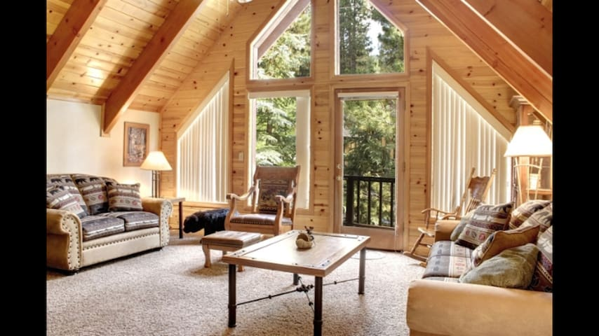 Summit Cozy Cabin - Big Bear Lake